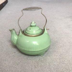 Other - Vintage Green Teapot